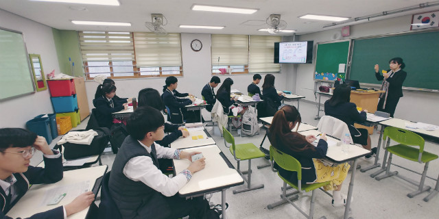 2019-03-12 하남 위례고등학교 학생 프로그램 사진 (2).jpg